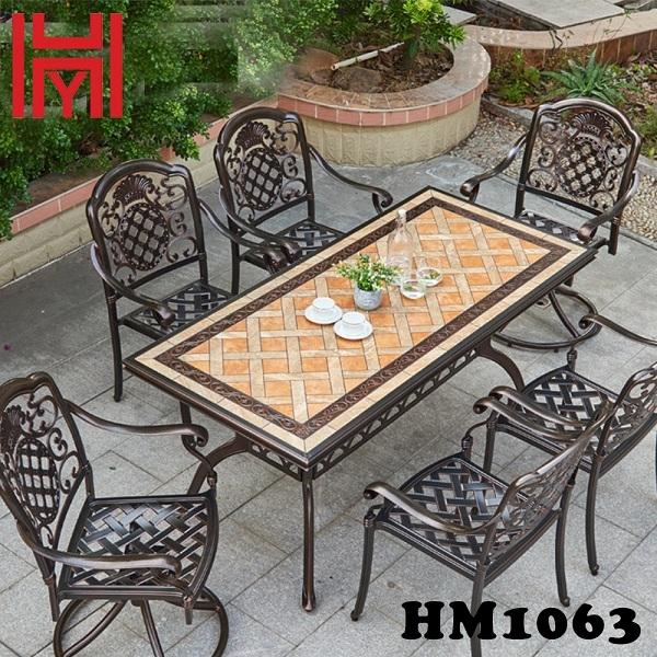 BÀN SÂN VƯỜN MÀU GẠCH NGÓI THẤT HM1063