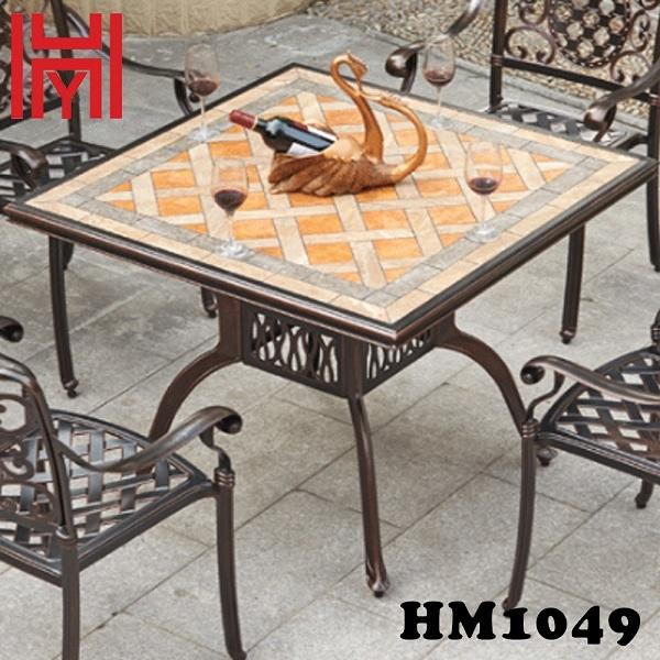 BÀN SÂN VƯỜN VUÔNG HM1049